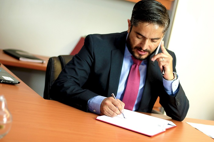 How to Choose an Attorney for Business Litigation